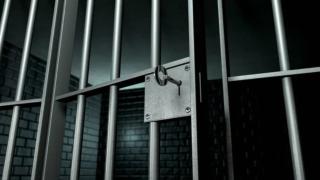 Las autoridades, no solo en Houston, están preocupadas por el hacinamiento en las cárceles.