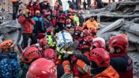 Destrucción en Turquía: ya son más de 35 muertos, buscan a sobrevivientes